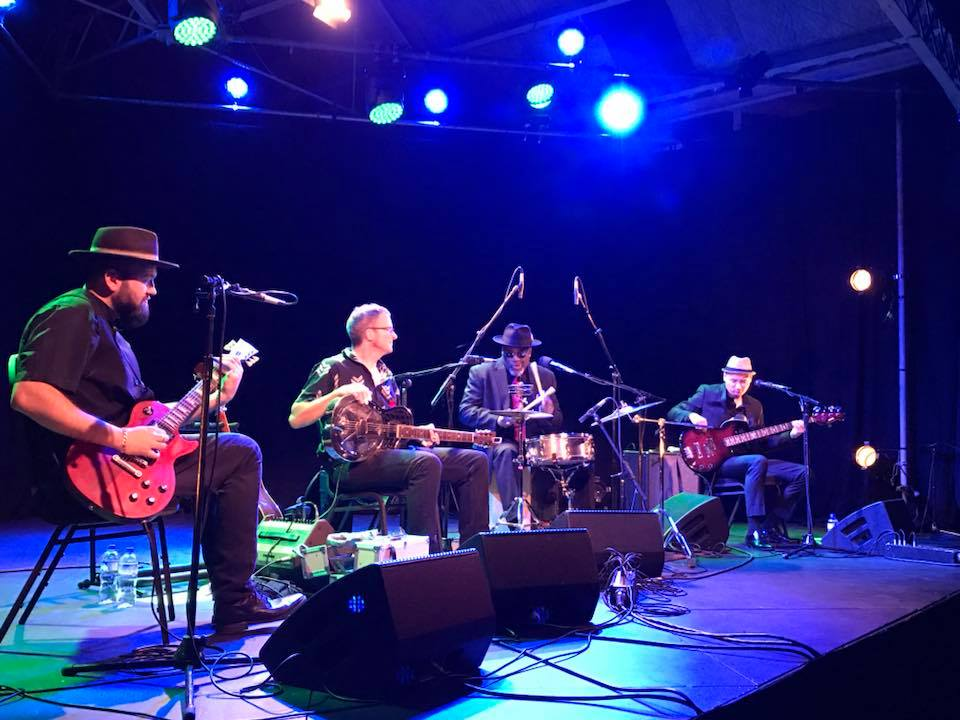 Musicians using Bignoise amplification